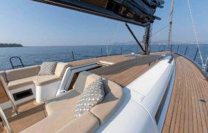 sailing-yacht-deck