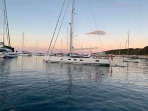 sailing-yacht-sunset